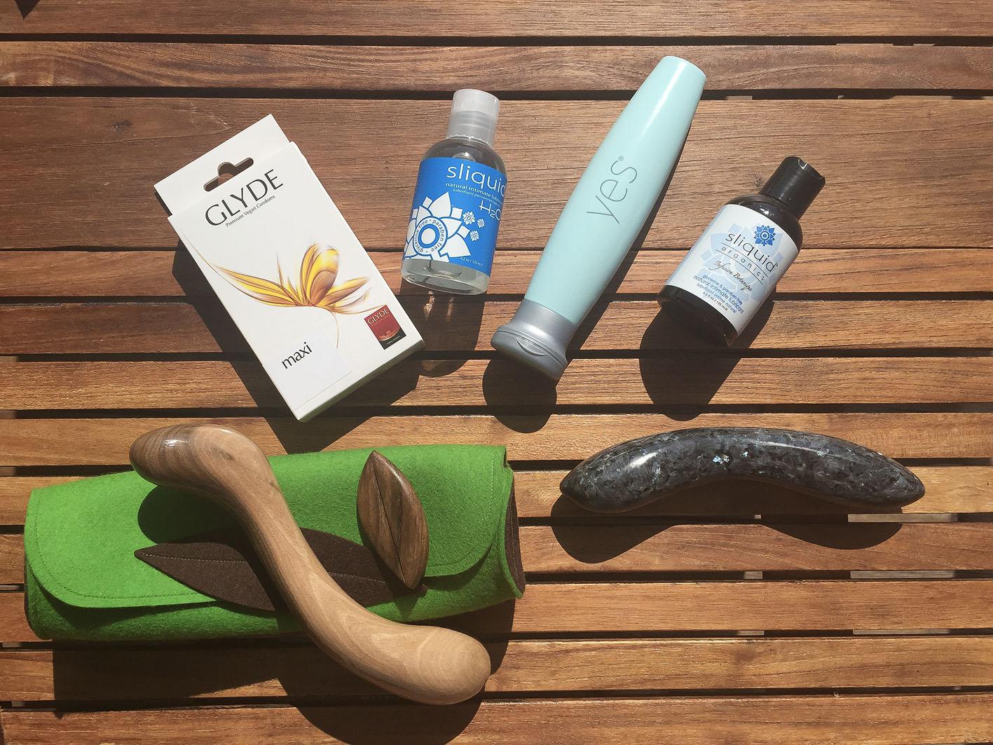 Veganer-venligt sexlegetøj, kondomer og glidecreme